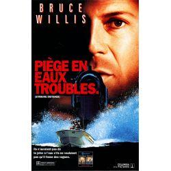 Affiche film Piège en Eaux Troubles