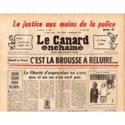 Canard Enchaîné (le) - n° 2859 - 13 aout 1975 - Giscard en Afrique : c'est la brousse à reluire...