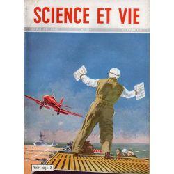 Science & Vie n° 376 - Janvier 1949 - Le Porte-avions stratégique