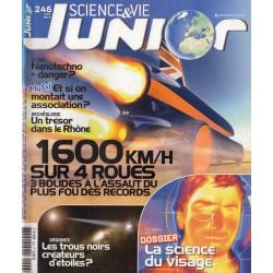 Science & Vie Junior n° 246 - 1600 km/h sur 4 roues, les bolides