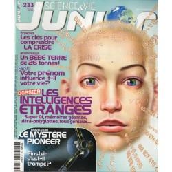 Science & Vie Junior n° 233 - Les Intelligences étranges, super QI, mémoires géantes, ultra-polyglottes, fous géniaux..