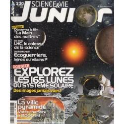 Science & Vie Junior n° 230 - Explorez les 165 lunes du système solaire