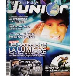 Science & Vie Junior n° 217 - Les Secrets de la lumière, sa double nature